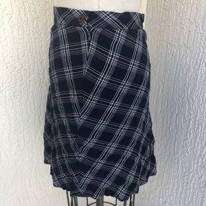 GAP Skirts - GAP Navy Blue Cream Plaid Print Skirt!